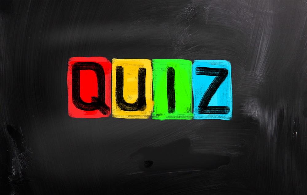 Ten Minute Test Exam Practice. The word Quiz on a blackboard.